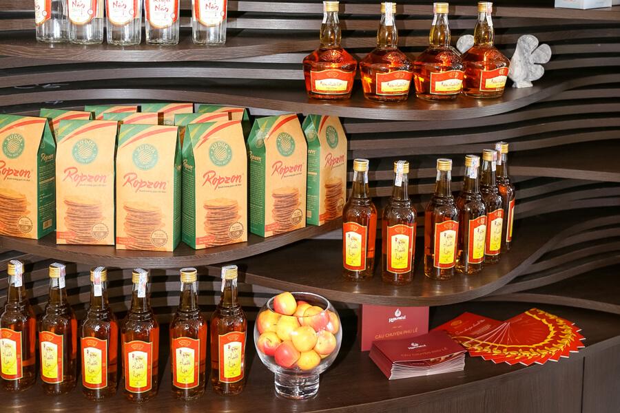 hình ảnh showroom rượu chuối hột Phú Lễ 2