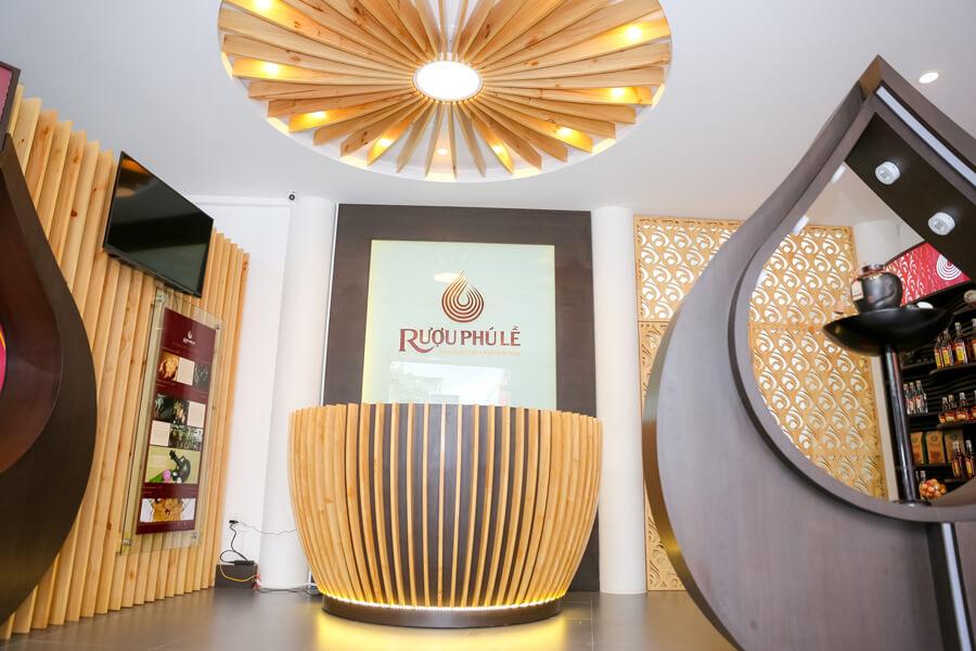 hình ảnh showroom rượu chuối hột Phú Lễ 5