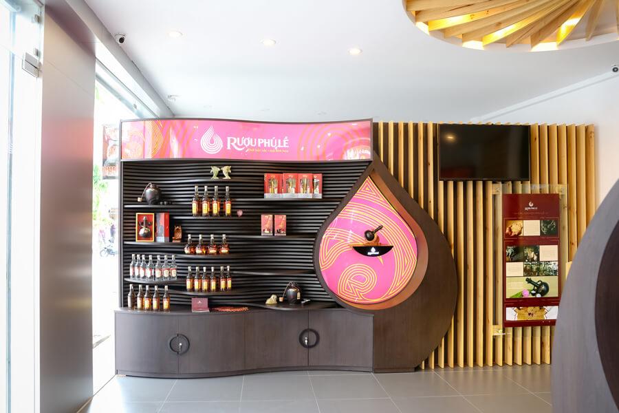 hình ảnh showroom rượu chuối hột Phú Lễ 7